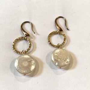 Jewelry - Pearl & Gold Earrings